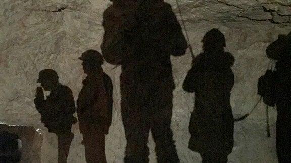 Licht und Schatten im Kalkwerk Lengefeld während der Dreharbeiten zur neuen Folge von Der Osten - Entdecke wo du lebst