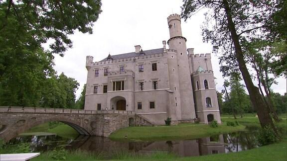 Ein Schloss.