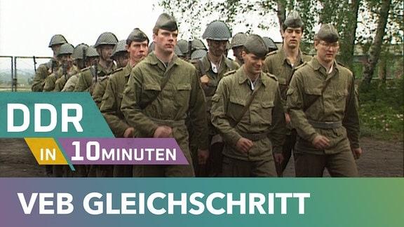 Soldaten in grüner Tarnuniform