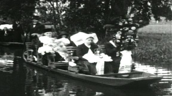 Ein Begräbnis im Spreewald