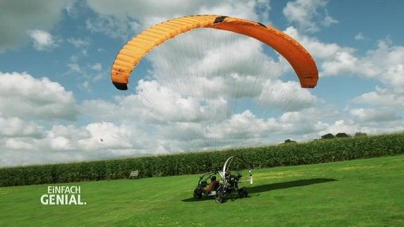 Ein Dreirad-Vehicel zum Fahren und Fliegen.