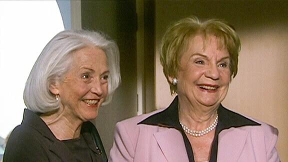Zwei ältere Damen.