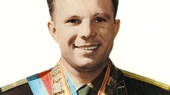 Kein anderer Sowjet-Bürger ist weltweit mit Orden und Ehrenzeichen so überhäuft worden wie Juri Gagarin. Wenn er alle Orden hätte anlegen wollen, hätte er mehrere Uniformen benötigt.