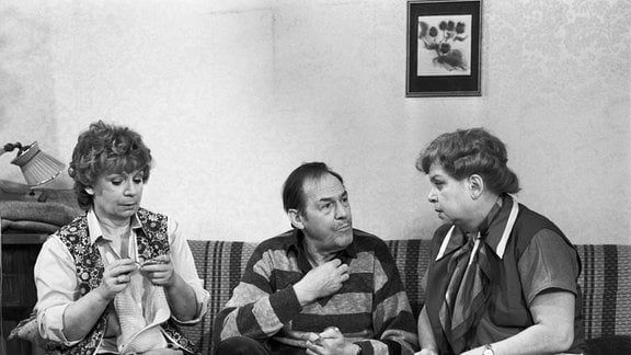 Ingeborg Krabbe (Frau Krüger), Herbert Köfer (Klempner) und Marianne Kiefer (Frau Hartmann)