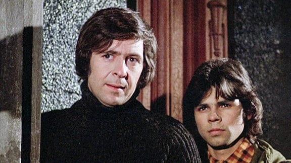 Freddy und Hans Wökke planen einen Überfall auf einen Geldtransport.