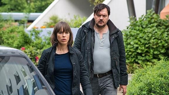 Die Kommissare Bukow (Charly Hübner) und König (Anneke Kim Sarnau)