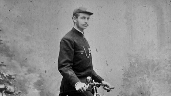 Friedrich Ferdinand Haage, der Gärtner aus Erfurt, fuhr am 16.6. 1886 Weltrekord auf 10 km im Hochrad.