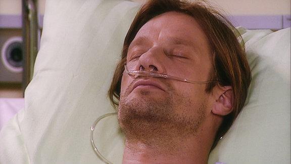 Steffen hat ein Schädelhirntrauma erlitten.