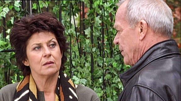 Charlotte Saalfeld (Mona Seefried) und Werner Saalfeld (Dirk Galuba).