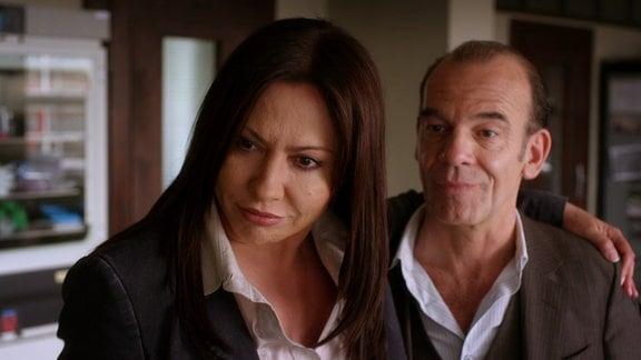 Die Hauptkommissare Eva Saalfeld (Simone Thomalla) und Andreas Keppler (Martin Wuttke).