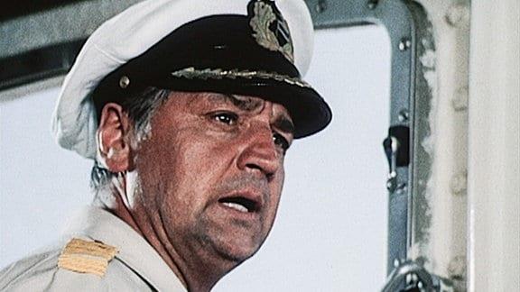 Kapitän Hans Karsten (Horst Drinda) kurz vor der Kollision.