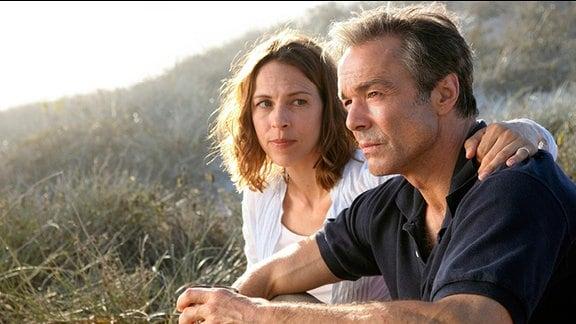 Endlich finden Hanna und Helmut die Kraft und die Ruhe, um über ihre Trauer zu sprechen.