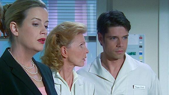 Sarah Marquart, Oberschwester Ingrid und Dr. Philipp Brentano