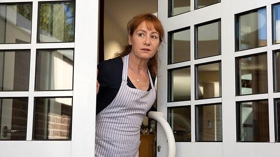 Zuhause sehen alle in Barbara (Ulrike Krumbiegel) nur die Mutter und eine selbstverständliche Unterstützung.