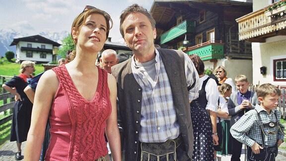 Ursula Buschhorn als Katja Stern und Bernhard Schir als Johannes Assamer