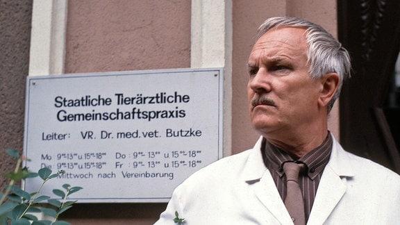 Tierarzt Dr. Butzke (Alfred Müller)