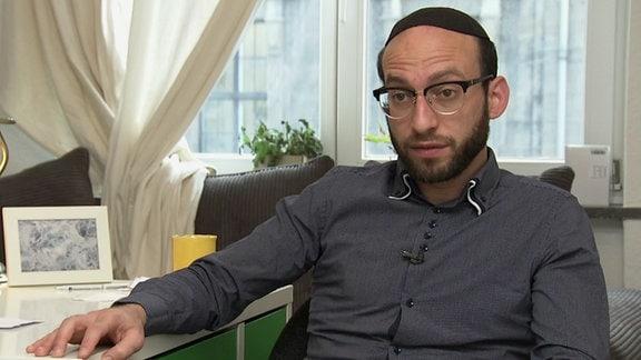 Akiva Weingarten kehrte dem Judentum den Rücken zu, leitet aber heute als Rabbiner die Jüdischen Gemeinde zu Dresden.