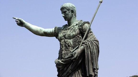 Statue des römischen Kaisers Augustus in Rom