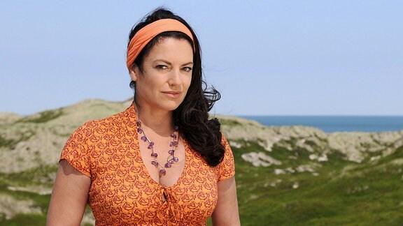 Auf der Ferieninsel Sylt will Anne (Christine Neubauer) Abstand von ihrem untreuen Ehemann gewinnen.