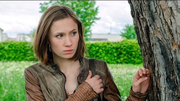 Johanna Grewel (Alina Levshin) recherchiert an der Uni und beobachtet Annas Mitbewohnerin und deren Freund.