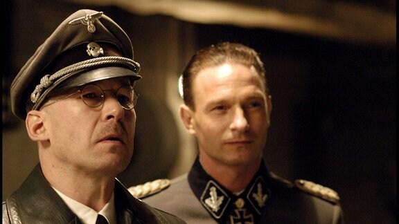 Ulrich Noethen und Thomas Kretschmann im Film 'Der Untergang'