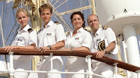 Kapitän Klaus Berger mit seiner Crew Marlene, Sven und Kerstin.