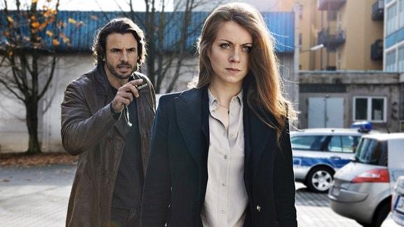 Kleine Meinungsverschiedenheit zwischen Hauptkommissar Claudius Zorn (Stephan Luca) und Staatsanwältin Frida Borck (Alice Dwyer).