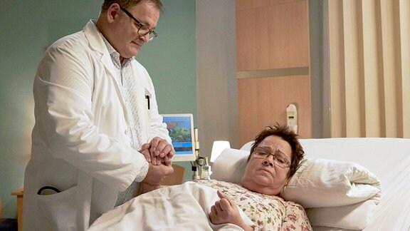Irma Meltzer (Walfriede Schmitt) hat Angst, dass es ihr so ergeht wie ihrer Mutter, die nach einem Klinikaufenthalt nicht wieder auf die Beine gekommen ist. Deshalb verweigert sie die weitere Nachbehandlung und besteht auf einer sofortigen Entlassung. Doch Hans-Peter Brenner (Michael Trischan) findet einen Zugang zu der hartnäckigen, aber liebenswerten Patientin. Nur mit einer entsprechenden Physiotherapie schafft Irma es, schnell wieder mobil zu sein.
