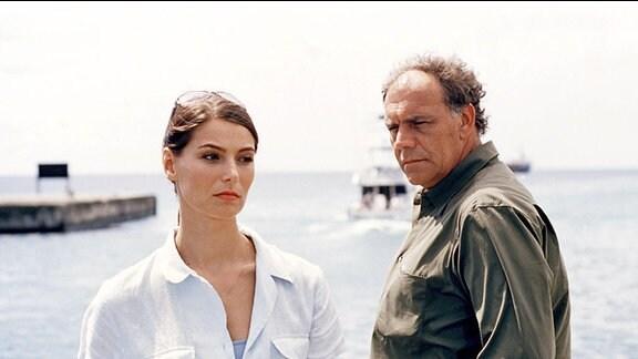Rudolf (Christian Kohlund) hat seine Frau wegen der erheblich jüngeren Tamara (Stefanie Schmid) verlassen.