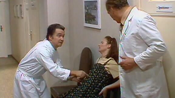 """Szene aus der Serie """"Zahn um Zahn"""""""