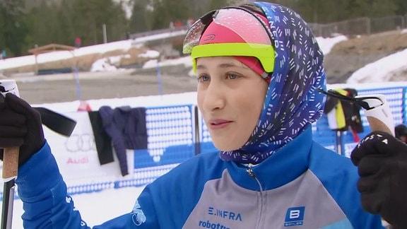 Mädchen auf Ski