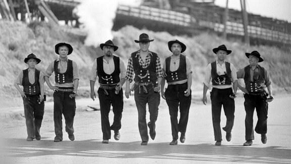 Die Ballas, das sind Nick (Detlev Eisner), Galonski (Hans-Peter Reinecke), Elbers (Helmut Schreiber), Hannes Balla (Manfred Krug), Gerhard Bolbig (Fred Ludwig), Dieter Jochmann (Erik Veldre), Franz Büchner (Karl Brenk)