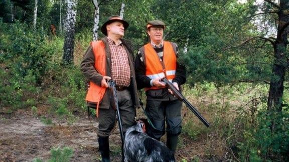 Enge Jagdfreunde: Gernot Dietz (Christian Redl, l.) und sein früherer Teilhaber Lothar Sofsky.
