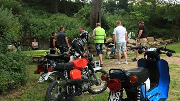 Immer sonntags 11 Uhr treffen sich die Motorradfans in Körner