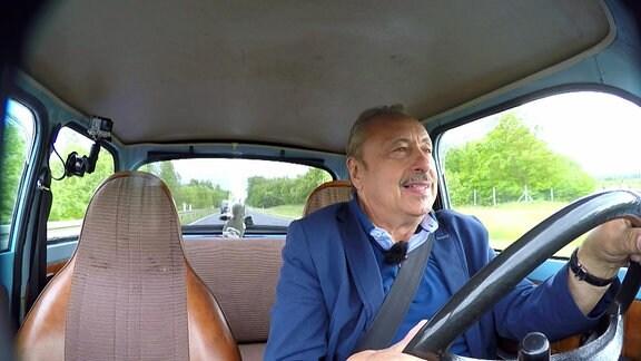 Wolfgang Stumph im Auto