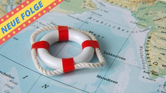 Bild eines Rettungsrings auf Landkarte mit dem Banner Neue Folge.