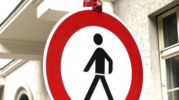 Verkehrsschild Fußgänger