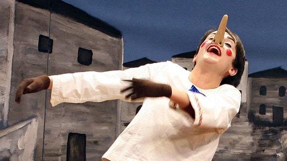 Felsenstein, Barbara (Deutsche Saengerin). Musicalrolle als Pinocchio in Pinocchio , Premiere am 02.12.2011 in der Komoedie am Kurfuerstendamm Berlin.
