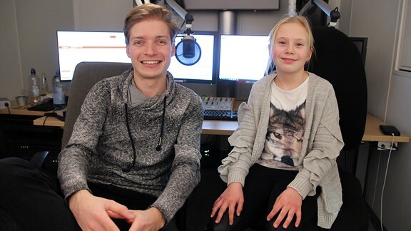 Ferienkind Lena mit MDR TWEENS Moderator Chris
