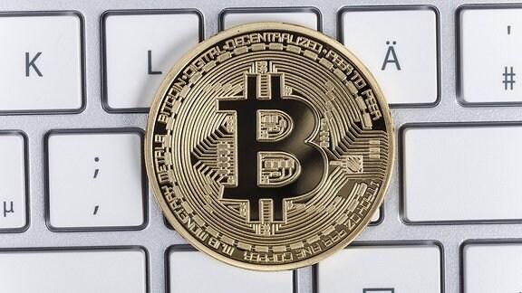 Bitcoin auf einer Tastatur
