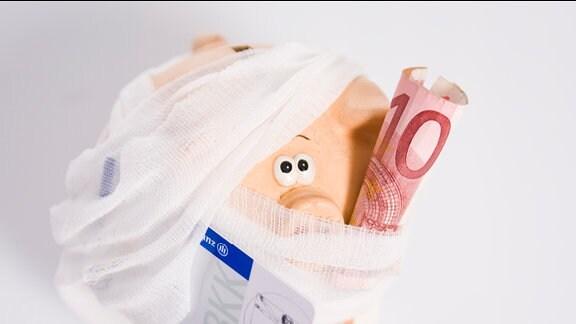 Sparschwein, Verband, 10-Euro-Schein, Versicherungskarte