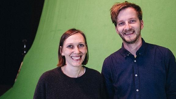 Alina Cyranek und Falk Schuster am Set von ASTORIAVR.