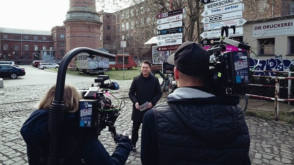 """Markus Kavka beim Dreh der Sendung """"AnimaDok"""" in Leipzig."""