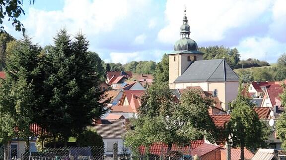 Die Kirche St. Nikolaus gilt als eine der schönsten barocken Dorfkirchen im  Eichsfeld.