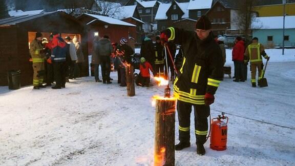 Die Freiwillige Feuerwehr weiß nicht nur, wie man Feuer löscht...