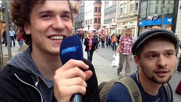 """Umfrage beim Lichtfest 2014 zum Thema """"Wofür würdest du auf die Straße gehen?"""""""