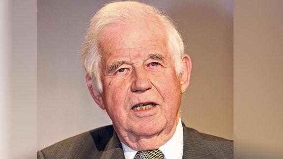 """Prof. Kurt Biedenkopf (ehem. Ministerpräsident Sachsen ) anlässlich der MDR - Polit - Talkrunde """" Fakt ist...! """" am 13.05.2009 in Leipzig."""