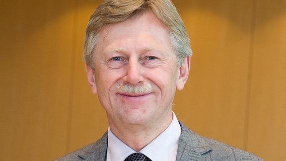 Dr. Karl Gerhold