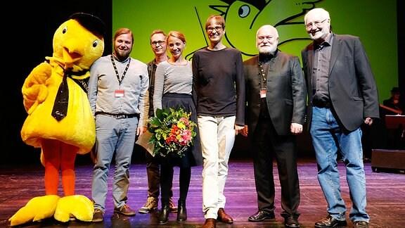 Rundfunkratjury von links nach rechts: Kai Ostermann (RR), Chris Raiber (Vorjahressieger), Co-Autorin Jytte-Merle Böhrnsen, Drehbuchautorin Natja Brunckhorst, Christian Schramm, Dr. Jürgen Weißbach (beide VR).