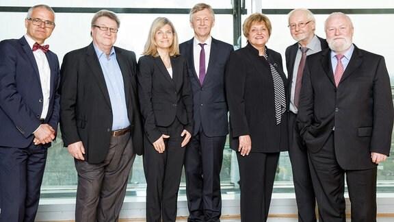 Prof. Dr. Friedrich Vogelbusch, Joachim Dirschka, Prof. Dr. Jutta Emes, Dr. Karl Gerhold, Birgit Diezel, Dr. Jürgen Weißbach, Christian Schramm.
